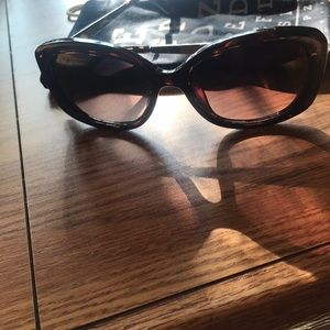 Tortoise shell Fossil sunglasses with soft case